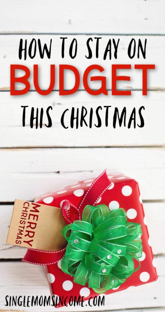 Ne laissez pas les achats de Noël détruire vos finances. Voici quatre étapes à suivre pour vous assurer de respecter votre budget à Noël.