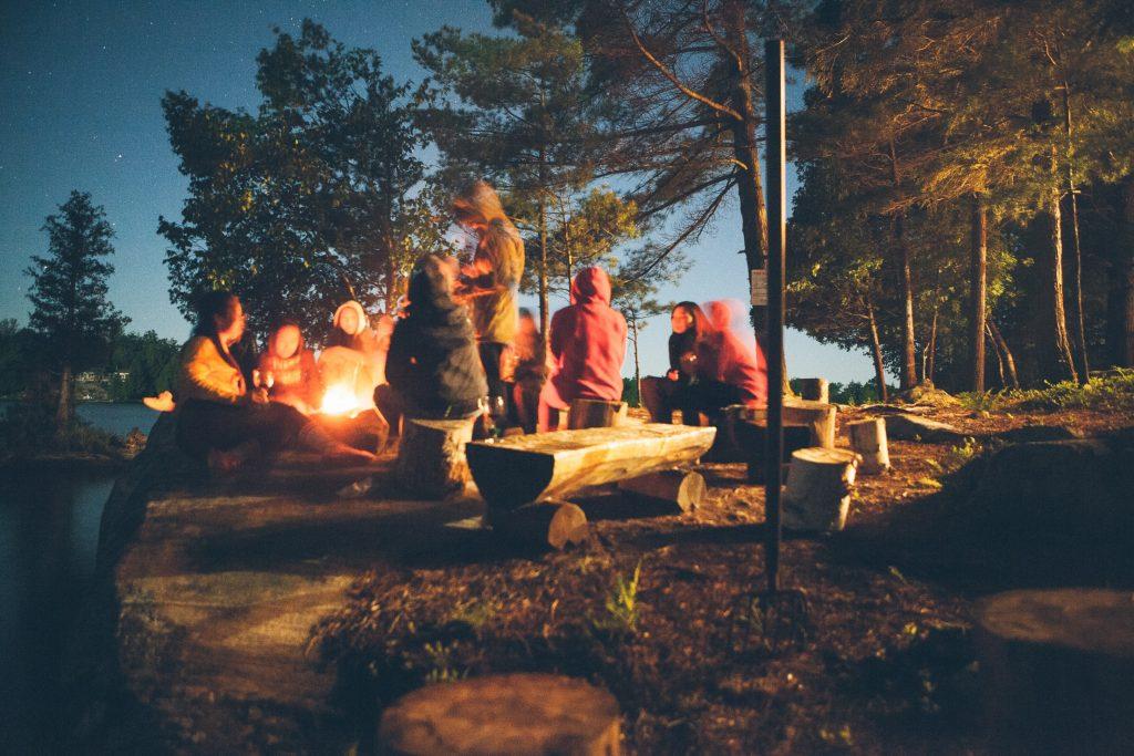 Artisanat et activités de camping amusants pour les enfants